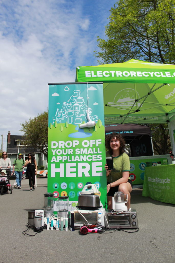 Recycling small appliances at an ElectroRecycle event