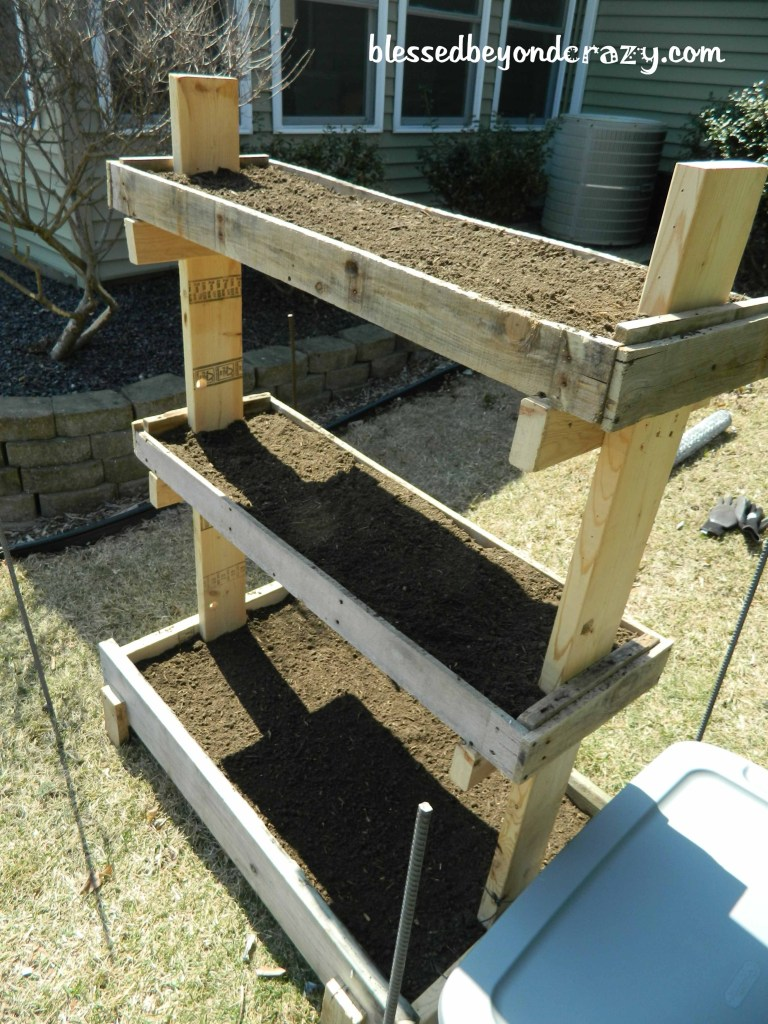 Upcycled gardening planter gift for Dad from wood pallets